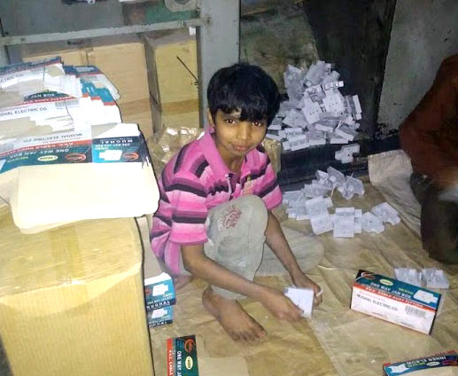 Pakistani child laborer Sohail at work